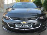 Chevrolet Malibu 2018 года за 7 990 000 тг. в Алматы – фото 2