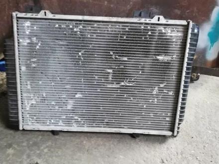 Мерс 210 радиатор в Алматы – фото 2