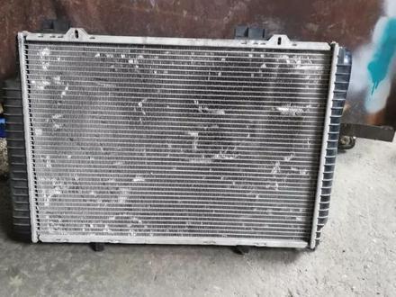 Мерс 210 радиатор в Алматы – фото 3