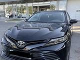 Toyota Camry 2018 года за 12 000 000 тг. в Шымкент – фото 2