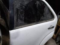 Оригинальные задние двери на Toyota Fortuner за 150 тг. в Алматы