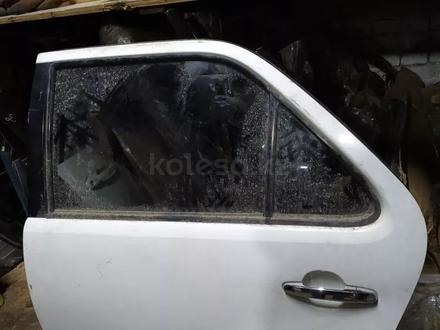 Оригинальные задние двери на Toyota Fortuner за 150 тг. в Алматы – фото 2
