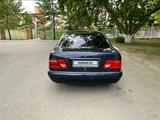 Mercedes-Benz E 200 1996 года за 1 550 000 тг. в Павлодар – фото 5