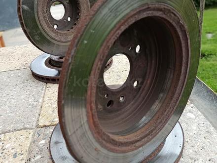 Тормозные диски задние Lexus RX330/350 за 11 000 тг. в Алматы – фото 2