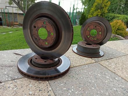 Тормозные диски задние Lexus RX330/350 за 11 000 тг. в Алматы – фото 3