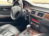 BMW 320 2009 года за 3 200 000 тг. в Атырау – фото 3