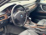 BMW 320 2009 года за 3 200 000 тг. в Атырау – фото 4