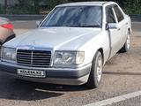 Mercedes-Benz E 200 1993 года за 1 700 000 тг. в Талдыкорган – фото 3