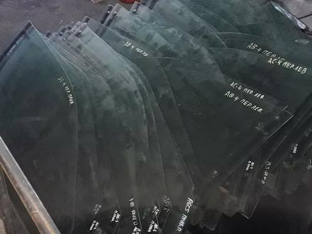 Стёкла боковые ауди фольксваген за 1 000 тг. в Караганда