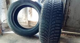 Bridgestone Blizzak r18 зима, шип, диски на инфинити r18 за 300 000 тг. в Байконыр