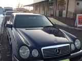 Mercedes-Benz E 240 1998 года за 2 220 000 тг. в Алматы – фото 2
