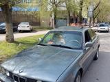 BMW 520 1988 года за 1 200 000 тг. в Алматы – фото 4