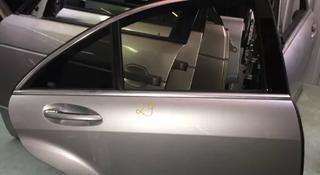 Дверь задняя правая Mercedes-Benz s350 в Алматы