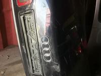 Крышка багажника ауди а8 за 30 000 тг. в Алматы