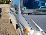 Chrysler Voyager 2002 года за 3 500 000 тг. в Караганда – фото 2