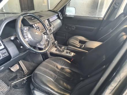 Салон, сиденья, дверные карты Range Rover за 750 000 тг. в Караганда – фото 5