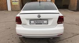 Volkswagen Polo 2018 года за 5 700 000 тг. в Актау – фото 3