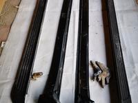 Пороги подножки на ланд крузер 200 за 50 000 тг. в Шымкент