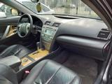 Toyota Camry 2007 года за 3 550 000 тг. в Уральск – фото 5