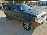 Jeep Grand Cherokee 1993 года за 1 750 000 тг. в Актау