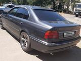 BMW 528 1998 года за 2 800 000 тг. в Тараз – фото 2