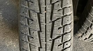 Зимние шины, в среднем состоянии 235/60/18 за 55 000 тг. в Алматы