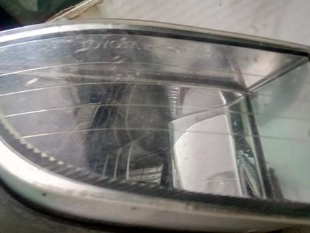 Противотуманка правая на Тойота Прадо 120, б у, оригинал за 8 000 тг. в Алматы