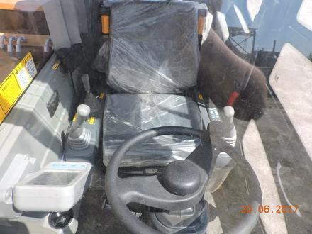 Hyundai  колесный экскаватор HUNTER Hyundai wheel exawator 0.65куб ковш в лизинг 7 л 2019 года за 28 000 000 тг. в Алматы – фото 64