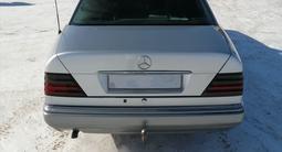 Mercedes-Benz E 220 1994 года за 2 500 000 тг. в Нур-Султан (Астана) – фото 3
