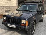 Jeep Cherokee 1993 года за 2 200 000 тг. в Алматы
