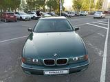 BMW 523 1997 года за 2 650 000 тг. в Нур-Султан (Астана) – фото 2