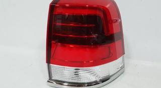 Фонарь задний правый Toyota Land Cruiser 200 за 80 000 тг. в Костанай