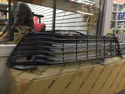 Решетка бампера на Камри 70 за 999 тг. в Алматы – фото 2