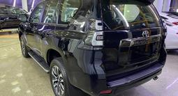 Toyota Land Cruiser Prado Prestige 4.0 2021 года за 36 500 000 тг. в Алматы – фото 4