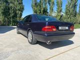Mercedes-Benz E 230 1997 года за 2 000 000 тг. в Шымкент – фото 3