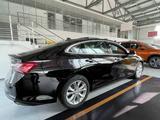 Chevrolet Malibu 2020 года за 12 430 000 тг. в Уральск – фото 4