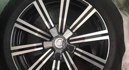 Шины с дисками 275 50 r21 оригинал с Lexus центра за 820 000 тг. в Алматы