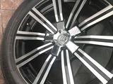 Шины с дисками 275 50 r21 оригинал с Lexus центра за 820 000 тг. в Алматы – фото 4