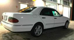 Mercedes-Benz E 320 1998 года за 2 800 000 тг. в Атырау