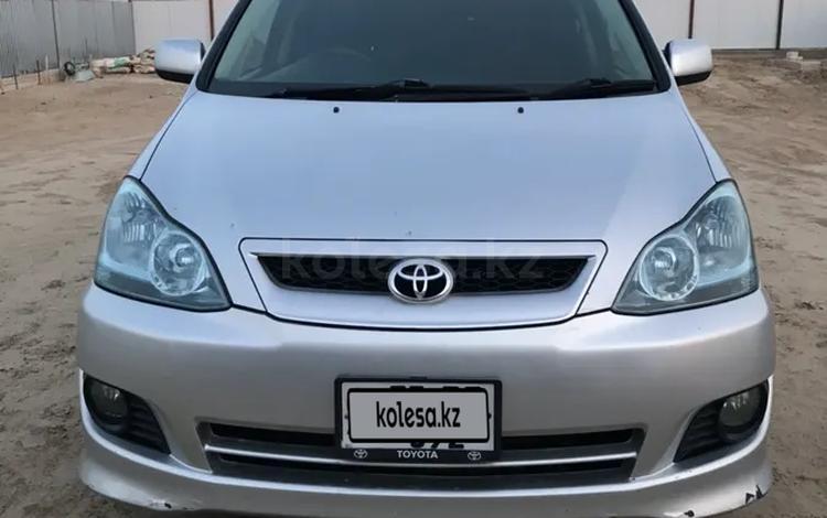 Toyota Ipsum 2003 года за 2 000 000 тг. в Атырау