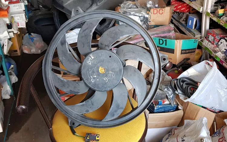 Вентилятор радиатора Peugeot (ПЕЖО) за 15 000 тг. в Алматы