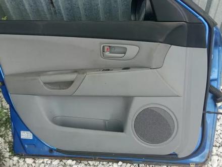 Задние двери Mazda 3 BK за 32 000 тг. в Семей – фото 2