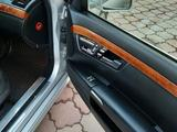 Mercedes-Benz S 55 2006 года за 5 700 000 тг. в Есик – фото 4
