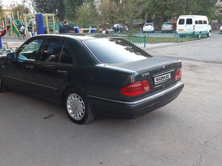 Mercedes-Benz E 320 1996 года за 1 900 000 тг. в Нур-Султан (Астана) – фото 4