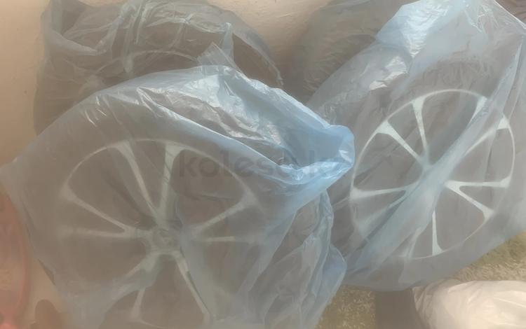 Титановые диски с завода и зимнии колеса за 370 000 тг. в Нур-Султан (Астана)
