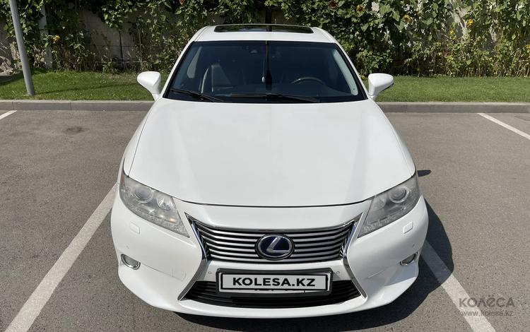Lexus ES 300h 2013 года за 11 000 000 тг. в Алматы