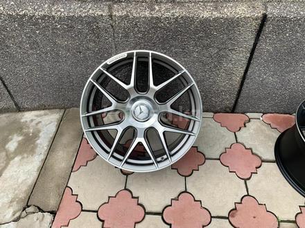 Комплект новых дисков r19 5*112 AMG выбит за 420 000 тг. в Нур-Султан (Астана)